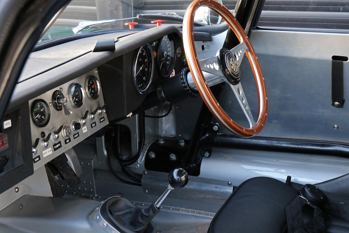 1961 Jaguar E-Type Series 1 3.8 Lightweight Race Car For Sale (picture 4 of 6)