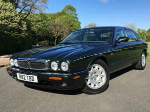 Picture of 1998 XJ8 4.0 V8 SOVEREIGN LWB. ONLY 22,000 MILES For Sale