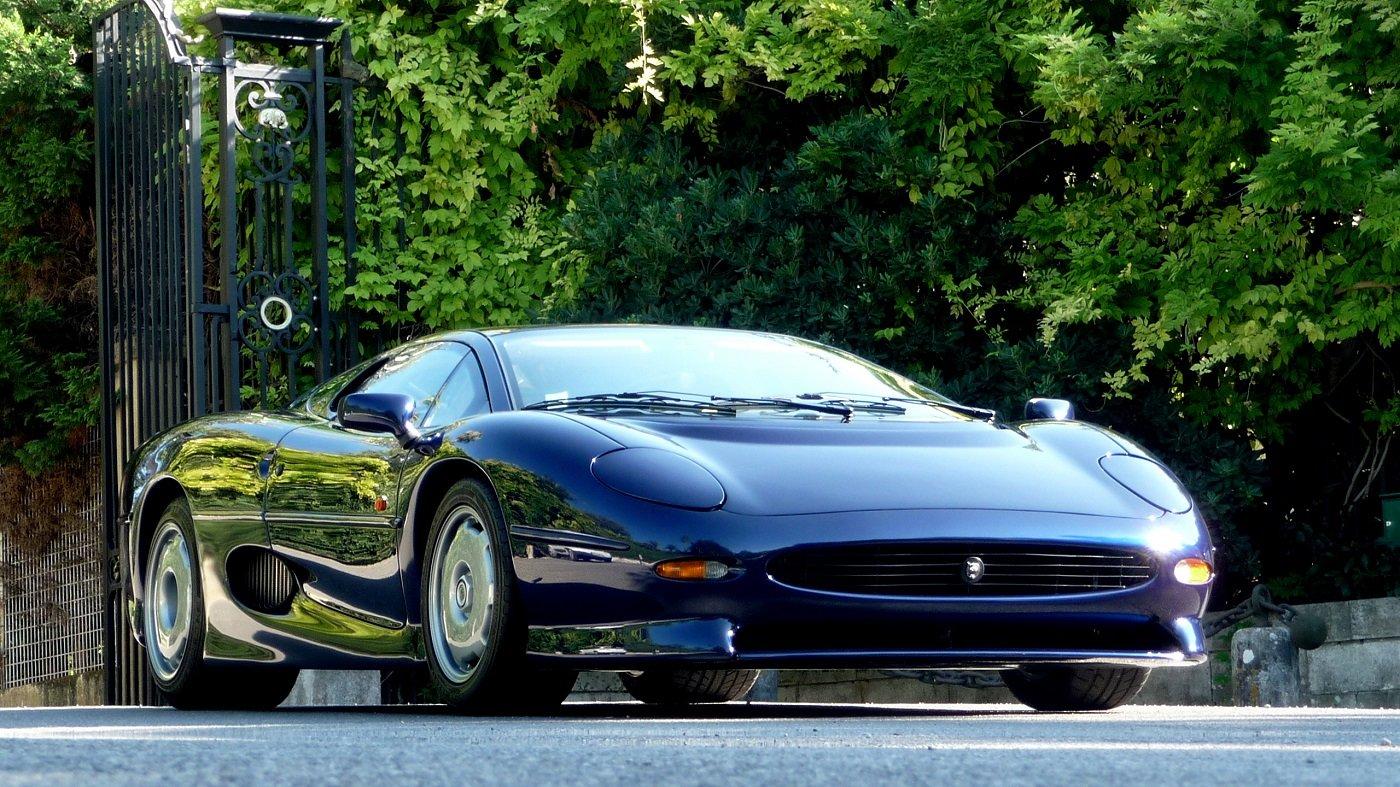 1996 JAGUAR XJ 220  1000 km. For Sale (picture 1 of 12)