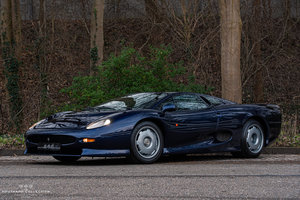 Picture of 1994 JAGUAR XJ 220, recent serviced at Don Law Racing For Sale