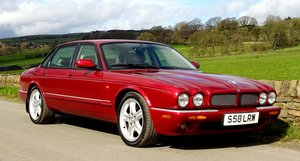 Picture of 1998 ELEGANT JAGUAR XJR CLASSIC BRITISH CAR BEAUTY AND POWER For Sale
