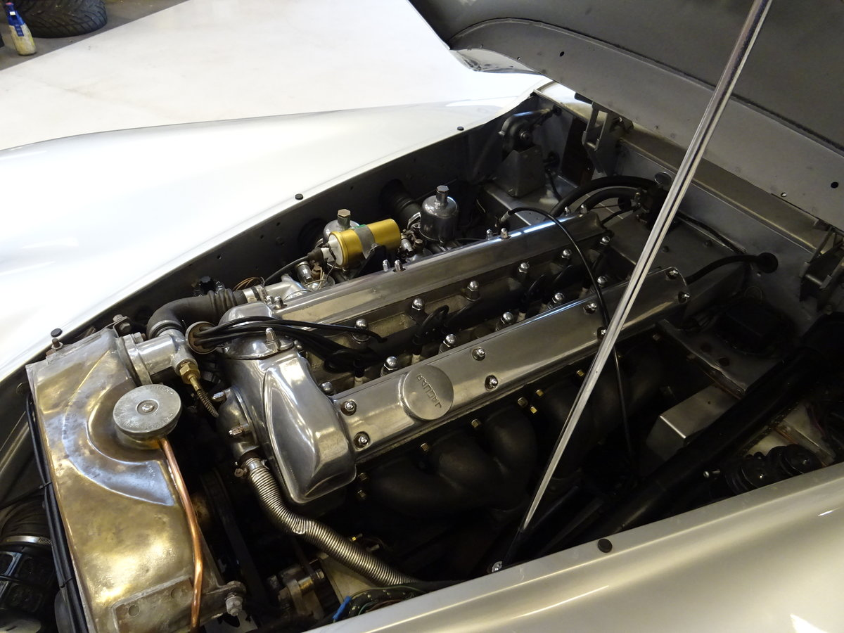 1951 Jaguar XK120 - Fixed-Head Coupe For Sale (picture 45 of 50)