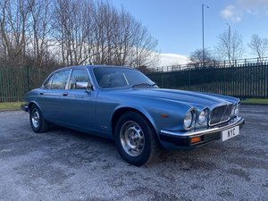 Picture of 1984 JAGUAR XJ6 SERIES 3 4.2 - ONLY 25K MILES, STUNNING SOLD