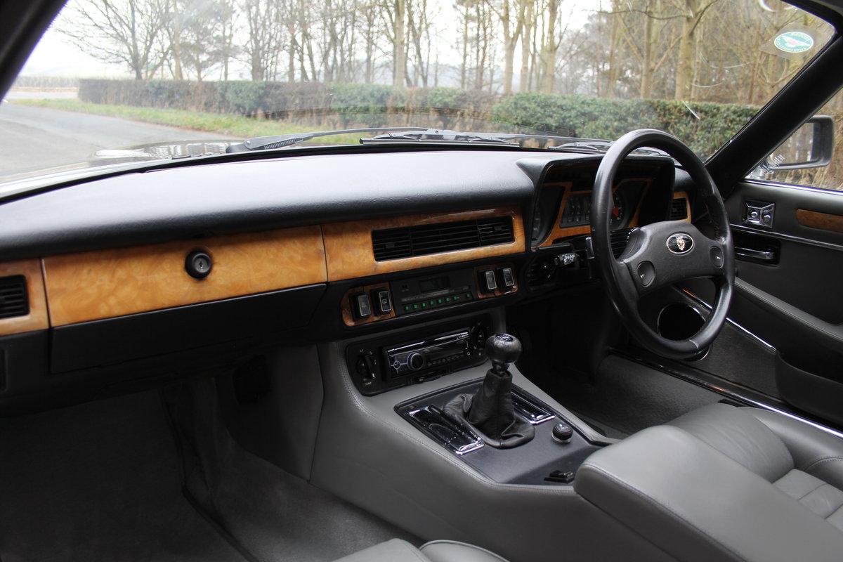 1986 Jaguar XJS 3.6 Manual - Ex Factory promotion car For Sale (picture 10 of 18)