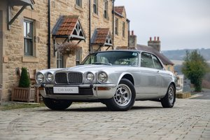 Picture of 1977 Daimler Sovereign XJ-C 4.2 Auto For Sale