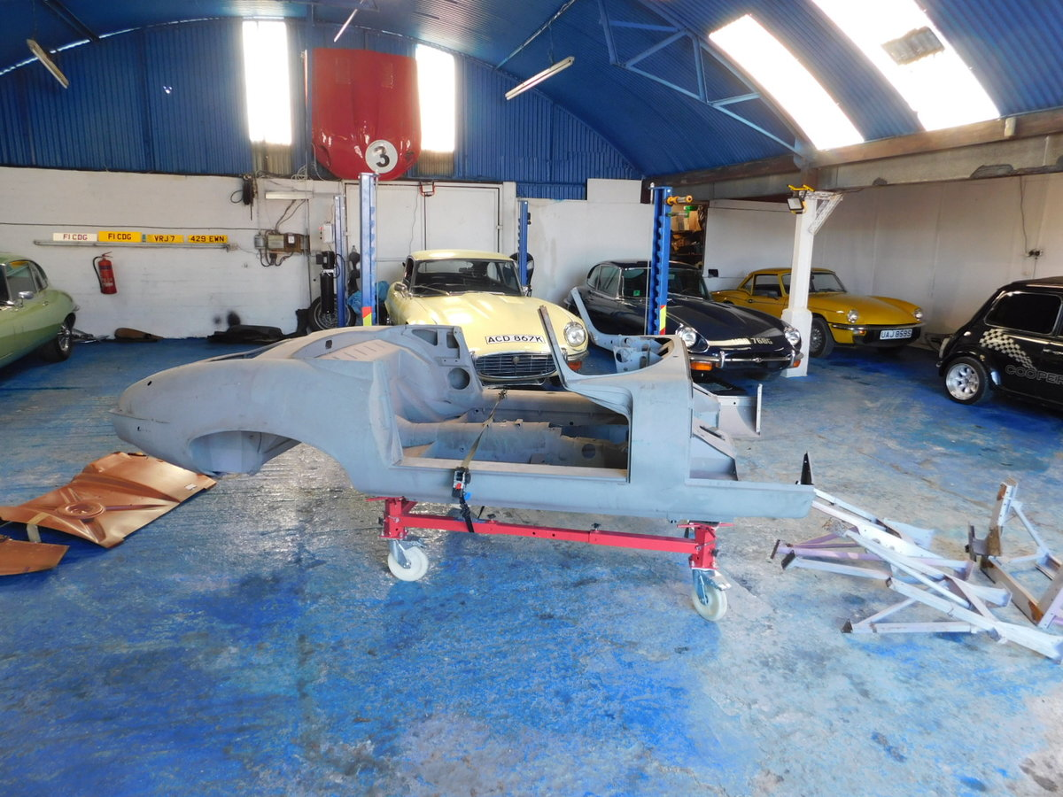 1972 JAGUAR E TYPE V12 ROADSTER BODY For Sale (picture 1 of 25)