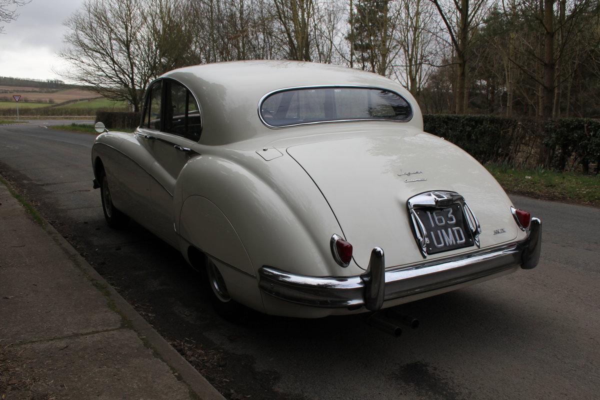 1958 Jaguar Mk IX 3.8 Automatic Saloon For Sale (picture 4 of 19)