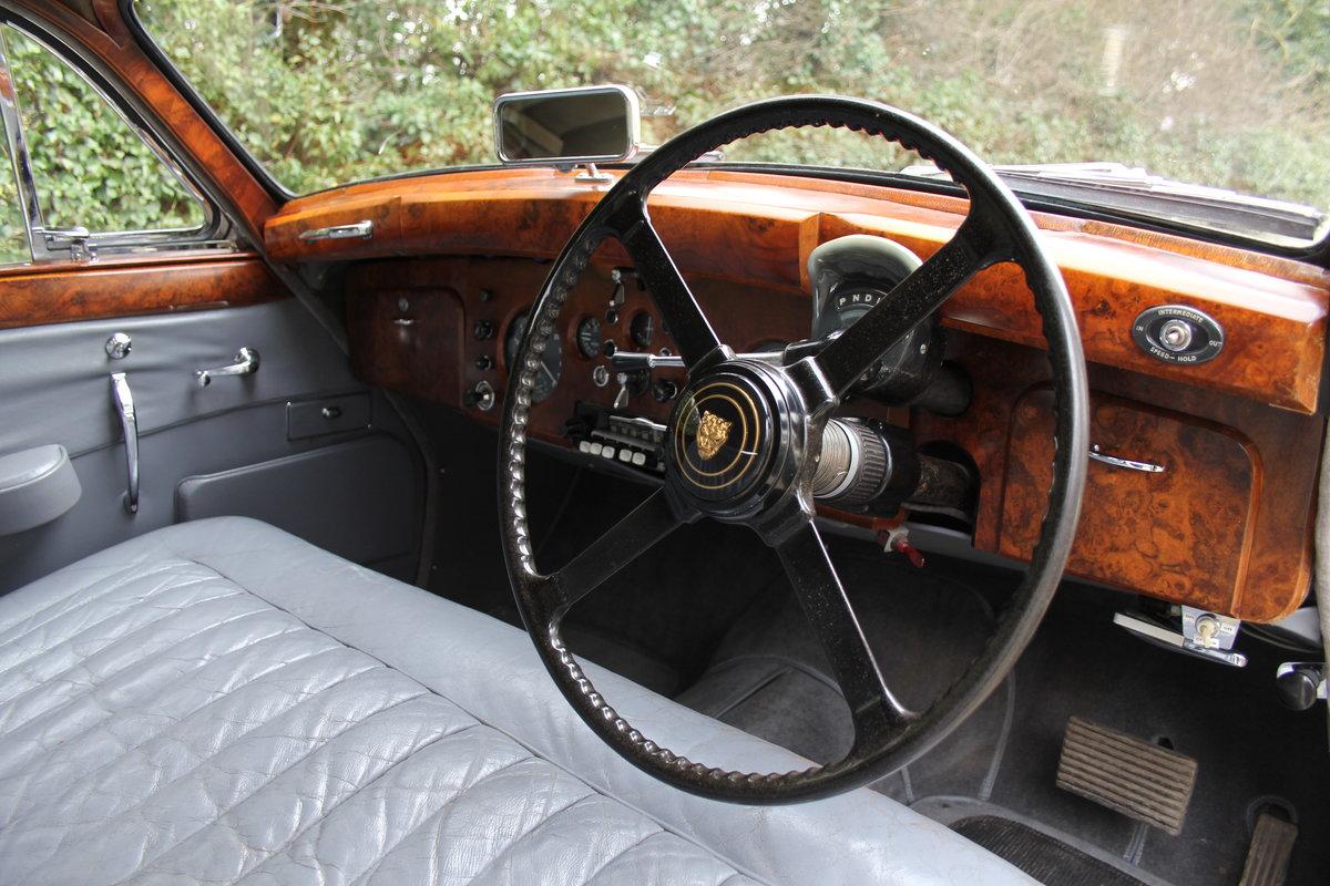 1958 Jaguar Mk IX 3.8 Automatic Saloon For Sale (picture 7 of 19)