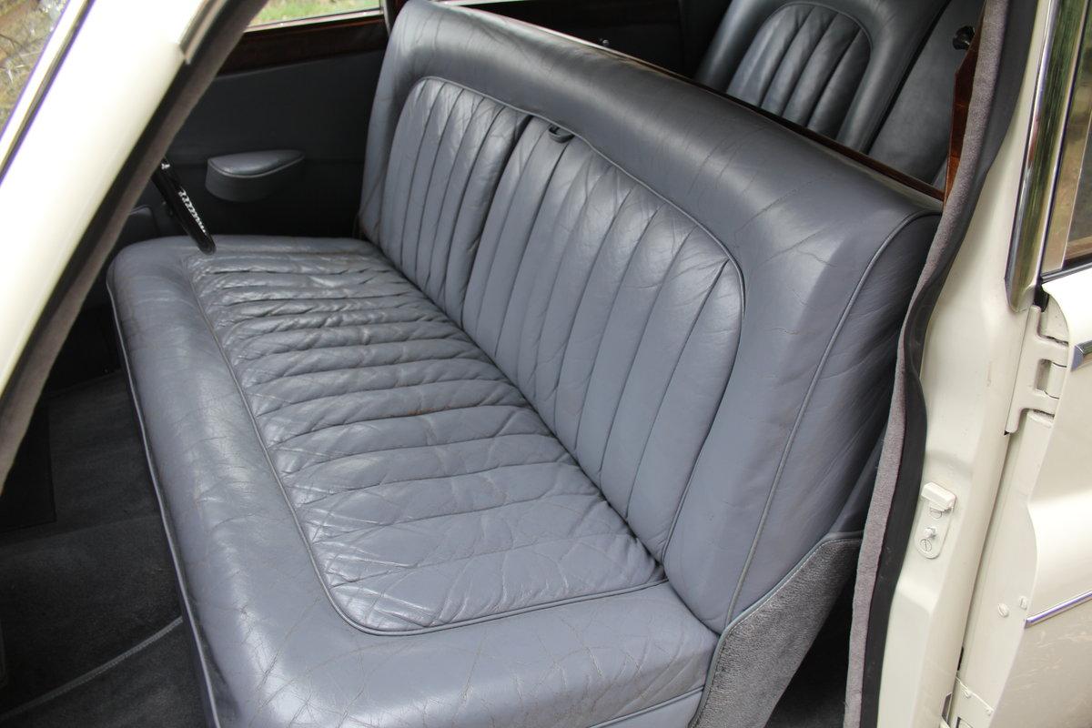 1958 Jaguar Mk IX 3.8 Automatic Saloon For Sale (picture 12 of 19)