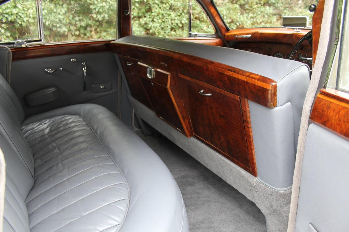 1958 Jaguar Mk IX 3.8 Automatic Saloon For Sale (picture 13 of 19)