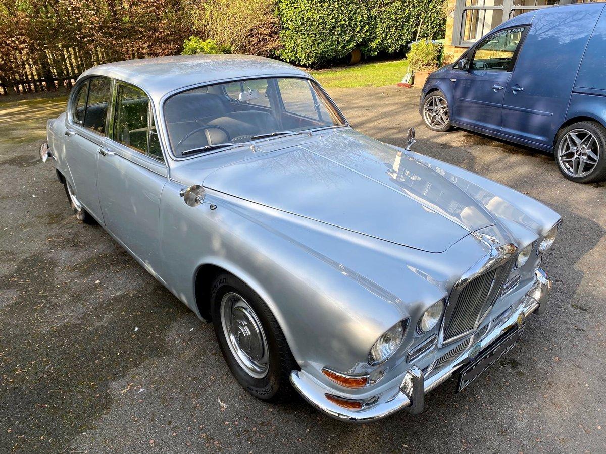 £11,995 : 1968 JAGUAR 420 For Sale (picture 3 of 12)