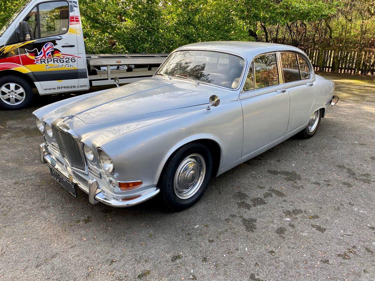 £11,995 : 1968 JAGUAR 420 For Sale (picture 4 of 12)