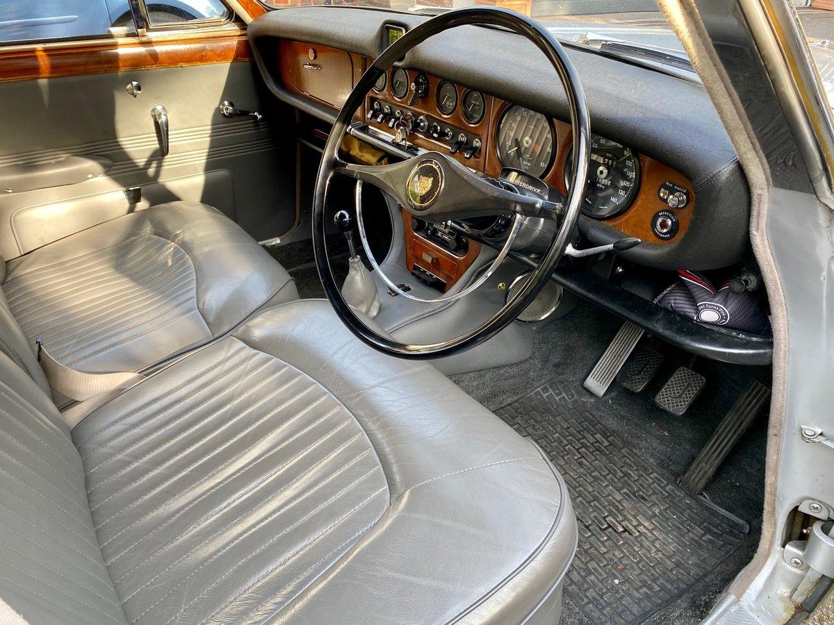 £11,995 : 1968 JAGUAR 420 For Sale (picture 7 of 12)