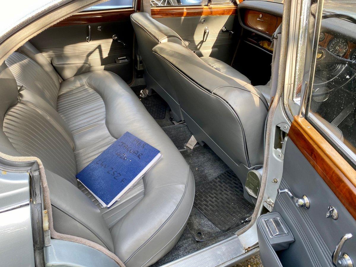 £11,995 : 1968 JAGUAR 420 For Sale (picture 9 of 12)