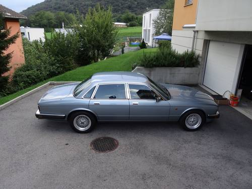 1991 Pristine Jaguar XJ V12 6.0 For Sale (picture 4 of 6)