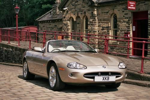 Jaguar Hire Yorkshire   Hire a Jaguar XK8  For Hire (picture 1 of 5)