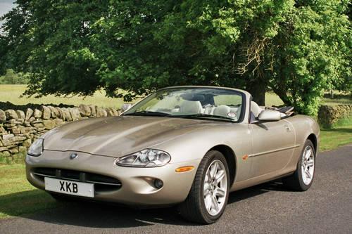 Jaguar Hire Yorkshire   Hire a Jaguar XK8  For Hire (picture 5 of 5)