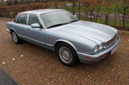 1997 Jaguar Sovereign AJ16 76k with FSH Amazing car! Wanted (picture 3 of 6)