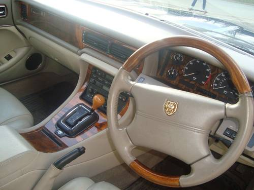Jaguar Executive 1997 mdl 72k with FSH For Sale (picture 4 of 6)