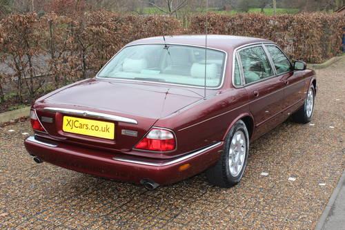 1998 Jaguar Sovereign LWB V8 4.0 Demo + 1 owner and 46k FMDH For Sale (picture 2 of 6)