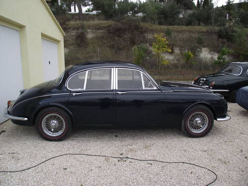 1968 Jaguar mk2 240 Saloon Manual with Overdrive model For Sale (picture 3 of 6)
