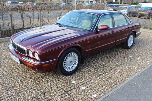 1998 Only 59k with FSH Stunning Red Jaguar 3 prev owners 100+pics For Sale (picture 1 of 6)