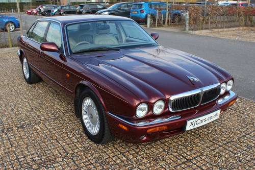 1998 Only 59k with FSH Stunning Red Jaguar 3 prev owners 100+pics For Sale (picture 2 of 6)