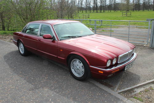 1995 Jaguar Sovereign X330 4 seater with Daimler style individual For Sale (picture 1 of 6)