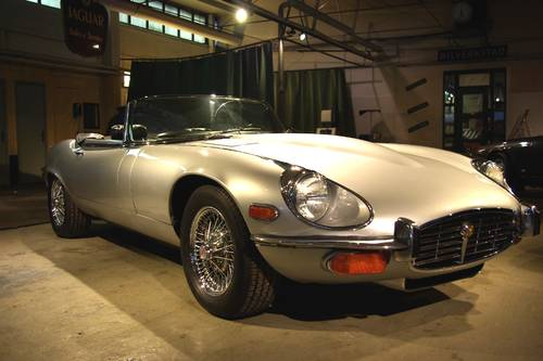 Jaguar E-Type 5,3l V12 Rdst S III 1973 For Sale (picture 4 of 6)