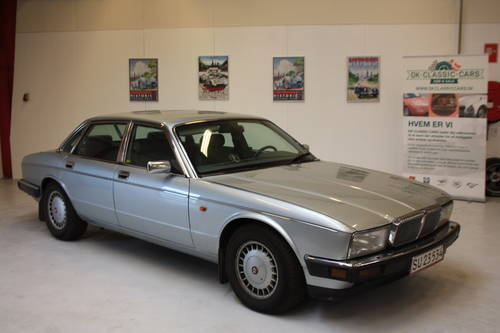 1991 Jaguar Daimler D6 For Sale (picture 1 of 6)