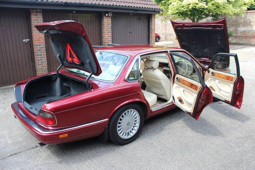 1995 Jaguar XJ12 6.0 V12 330 BHP X305 1 previous owner 88k miles For Sale (picture 3 of 6)