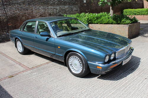 Jaguar Sovereign XJ6 1997 last year of build  For Sale (picture 1 of 6)