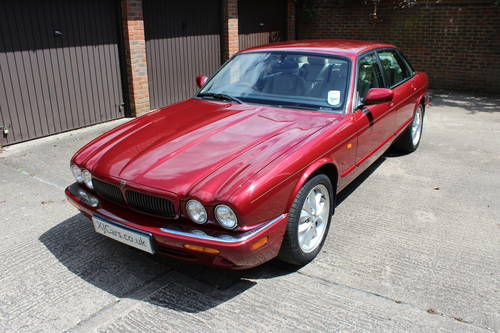 2001 Jaguar XJ8 Executive Sport 3.2 V8 with 84k miles FSH 100pics For Sale (picture 3 of 6)