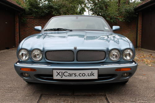 Jaguar XJ8 Sport 2002 with 67k miles with FSH - 150 photos For Sale (picture 2 of 6)