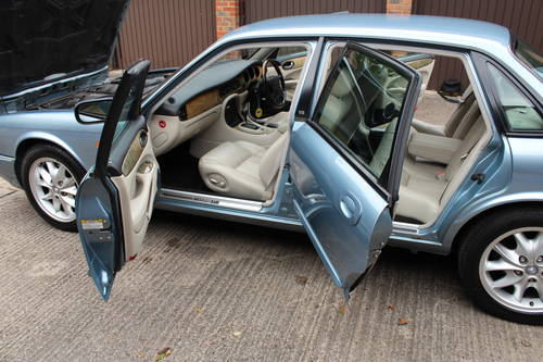 Jaguar XJ8 Sport 2002 with 67k miles with FSH - 150 photos For Sale (picture 6 of 6)