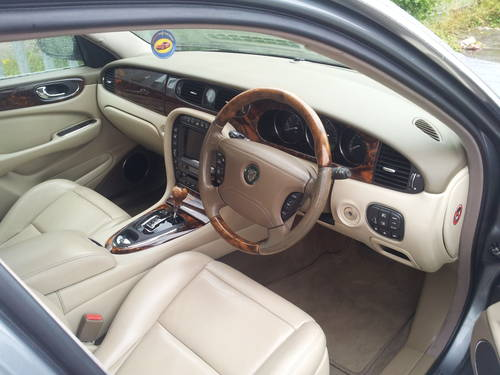 Jaguar XJ8 3.5SE V8 Aluminium Body Model 2003  For Sale (picture 3 of 6)