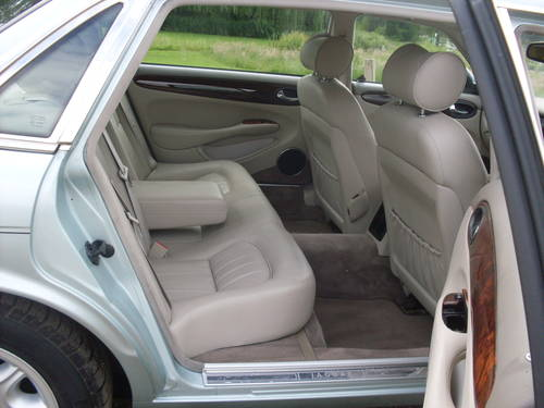 1998 Jaguar xj8 4.0 sovereign lwb SOLD (picture 6 of 6)