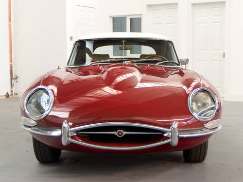 Jaguar E Type 4.2 Roadster (1968) in Maroon For Sale (picture 2 of 6)