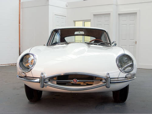 1963 Jaguar E-type 3.8 FHC in White For Sale (picture 3 of 6)