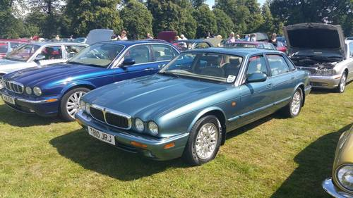 Jaguar XJ8 3.2 1999 only 64k miles Outstanding example For Sale (picture 2 of 6)