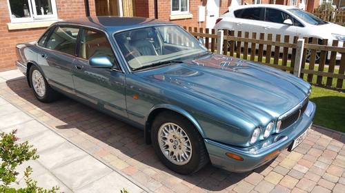 Jaguar XJ8 3.2 1999 only 64k miles Outstanding example For Sale (picture 5 of 6)