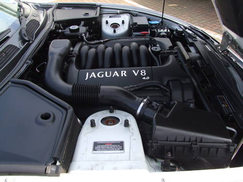 JAGUAR XK8 COUPE 4.0-1 owner only 13000 miles!! (1999) For Sale (picture 3 of 6)