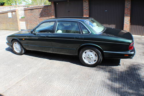 1997 Jaguar XJ6 Executive 3.2 with only 88k miles - 150 pics  For Sale (picture 3 of 6)