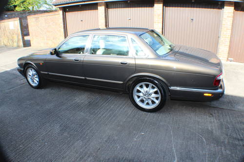 2001 Jaguar XJ8 Executive Sport in Roman Bronze 88k miles For Sale (picture 3 of 6)