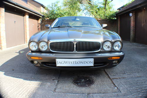2001 Jaguar XJ8 Executive Sport in Roman Bronze 88k miles For Sale (picture 4 of 6)