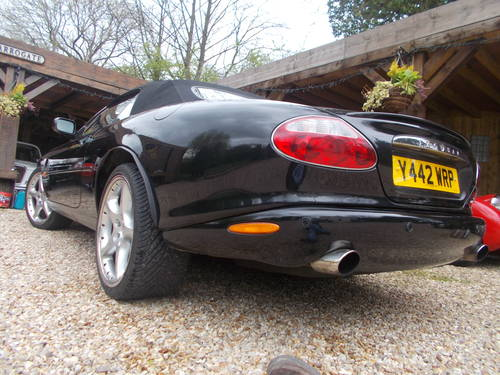 2001 Jaguar XKR Supercharger  WILL SWAP FOR CLASSIC VEHICLE OR JU For Sale (picture 4 of 5)