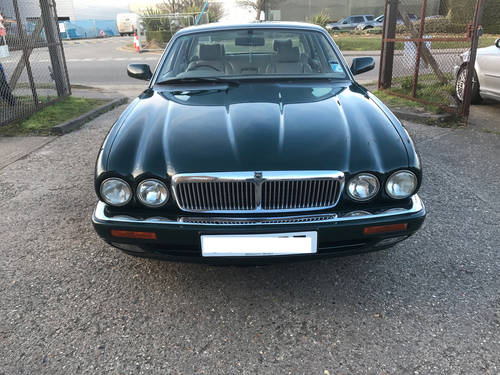 Jaguar XJ6 X300 Executive 1 owner 70k FSH Sunroof - BRG For Sale (picture 3 of 6)