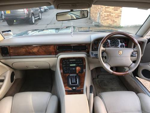 Jaguar XJ6 X300 Executive 1 owner 70k FSH Sunroof - BRG For Sale (picture 5 of 6)
