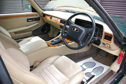1992 Jaguar XJS 4.0 Automatic Coupe (33,826 miles) SOLD (picture 4 of 6)