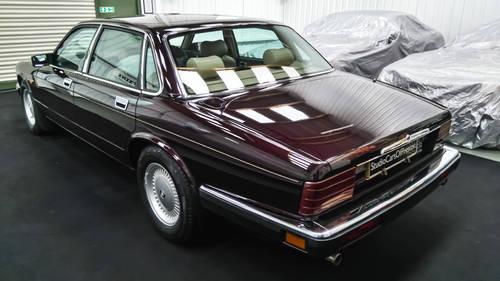 1993 Jaguar XJ40 XJ6 in immaculate cond' DEPOSIT TAKEN SOLD (picture 3 of 6)